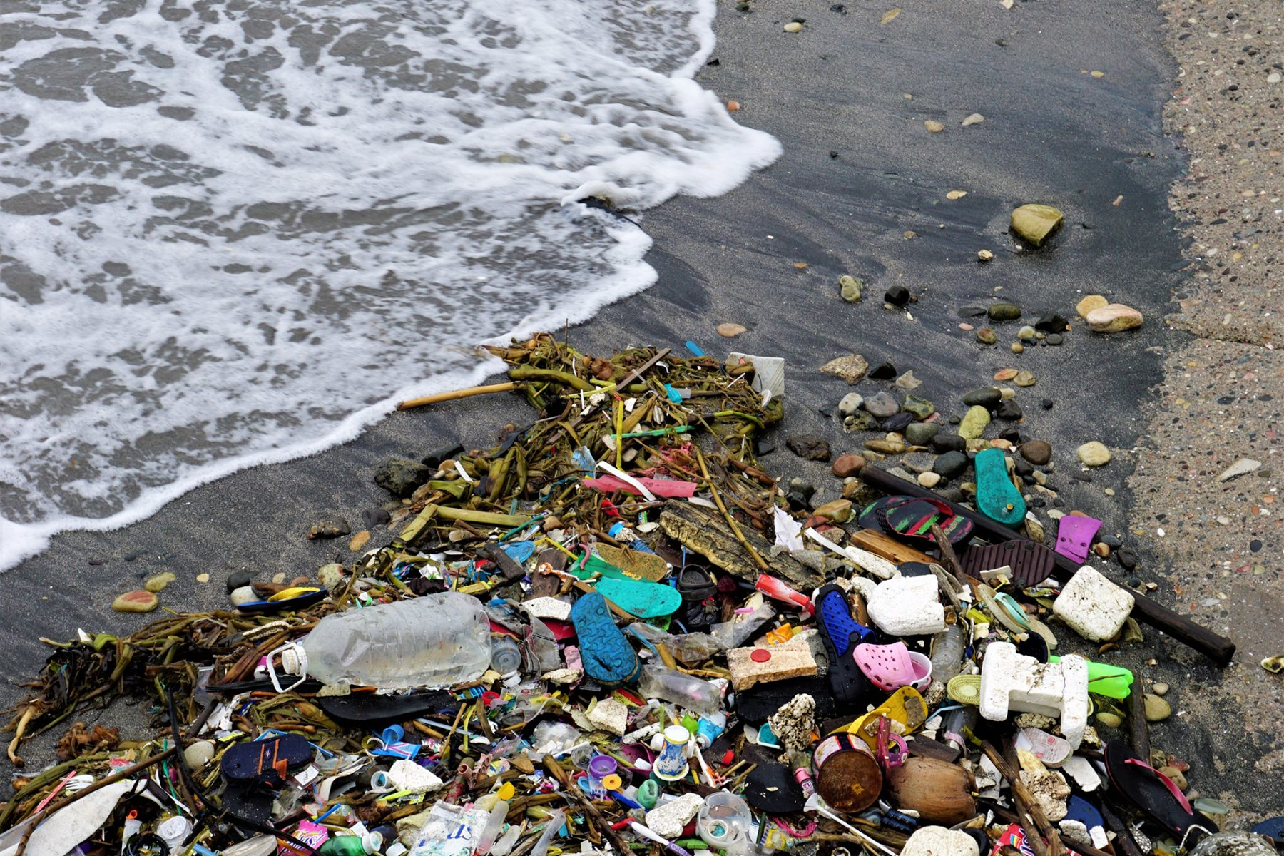 """plastic pollution World environment day - veolia is committed to beating plastic pollution """"beat plastic pollution"""" is the theme of this year's world environment day veolia is looking to significantly step up its plastic recycling work in order to."""